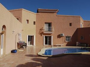Big holiday villa with guest house,swimming pool and 20000 s