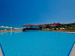 1-bed apartments in a luxury beachfront complex in Sozopol