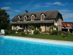 House and guest cottage overlooking the French Pyrenees