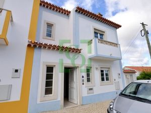 Semi-detached by the Obidos reservoir-Silver Coast Portugal