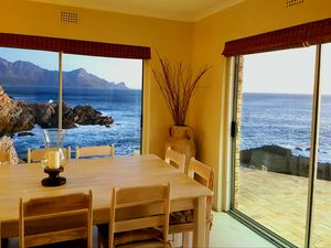 SEA FRONT HOUSE, GORDON'S BAY, CAPE TOWN
