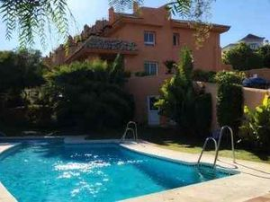 Semi-detached house for sale in Cabopino Marbella