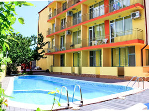 Furnished studio with pool view in Ryor, Sunny Beach