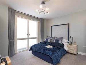 Two-bedroom apartment with high rental income, in London.