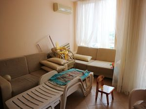 1 BED apartment with pool view 5 minutes from the beach