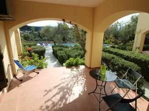 Furnished apartment with shared pool in quiet location