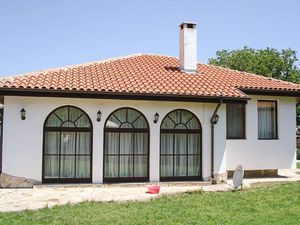 House with 3 bedrooms, 2 bathrooms 5 km to Kavarna