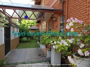 Spacious Luxury House for sale at Ethul Kotte , Sri Lanka
