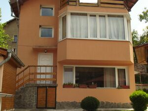 Ready for use house with nice panoramic views 3 km from city