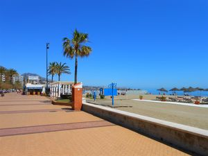 Beach front three bed corner apartment Fuengirola