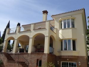 Quality well presented family villa