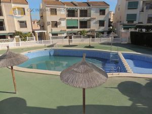 Terraced house 200 meters from the sea