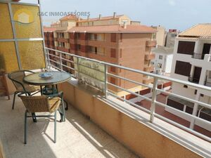 Apartment with large terrace 100 meters from the sea
