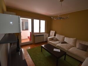 We sell a completely renovated apartment in the cente