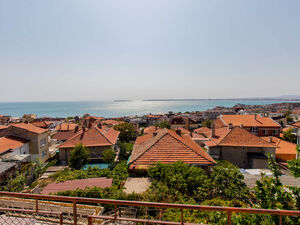 Big house with SEA VIEW for sale in Sveti Vlas