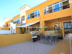 Costa Blanca Apartment with Garden and Driveway - La Herrada