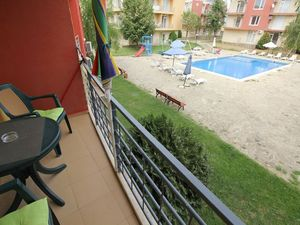 Bargain! Pool view 1-bedroom apartment in Sunny Day 5