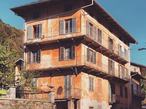 Lifetime opportunity: 12 bedroom house in the Italian Alps