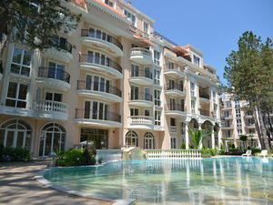 2-BED, 2-BATH maisonette with Pool view in Venera Palace