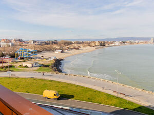 SEA/POOL view, 1-bedroom apartment in Apart Hotel Paradiso