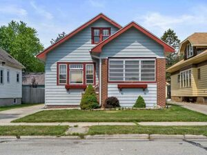 Beautiful 3 beds 2 baths house for sale in Racine