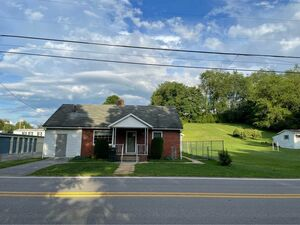 Spacious 3 beds 1.5 baths home for rent in Buckhannon