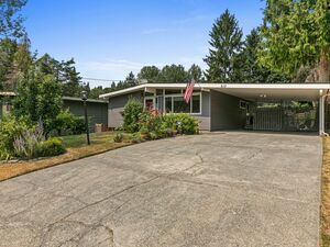 Beautiful 4 beds 2 baths home for rent in Seattle