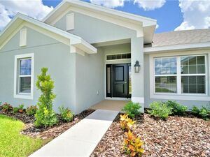 Beautiful 4 beds 3 baths house for rent in Auburndale