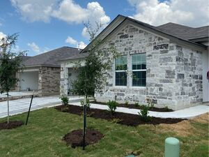 Beautiful 4 bed 2 baths home for rent in Hutto