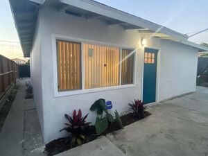 Spacious 2 beds 1 baths home for rent in Los Angeles