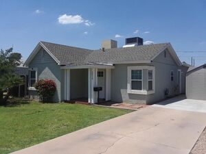 Lovely 2 bed 1 bath mobile home for rent in Phoenix