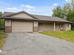 Spacious 3 bed 2 baths home for rent in Wasilla