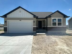 Brand new 3 beds 2 baths home for rent in Eagle Mountain