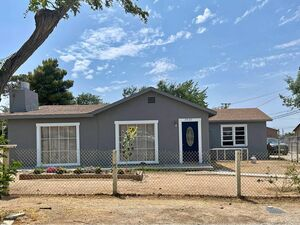 Beautiful 3 beds 2 baths house for rent in Pearblossom