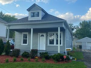 Beautiful 3 beds 1 bath house for rent in St Clair Shores