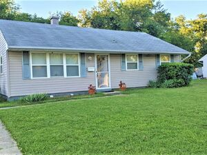 Beautiful 3 beds 1 bath house for rent in Clayton