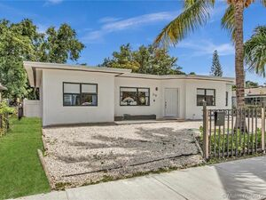 Lovely 3 bed 2 baths house for rent in Miami