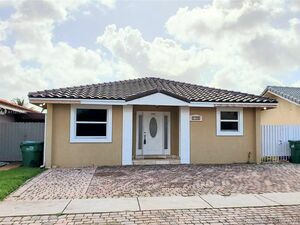 Awesome 3 beds 3 baths house for rent in Miami