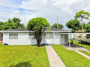 Beautiful 3 beds 1 baths house for rent in North Miami Beach