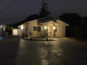 Amazing 2 beds 2 baths house for rent in Santa Ana