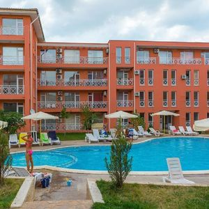 Spacious Studio with pool view in Sunny Day 6, Sunny Beach