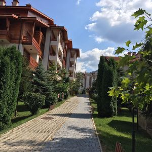 LUXURY GARDEN-VIEW ONE-BEDROOM APARTMENT (FURNISHED)