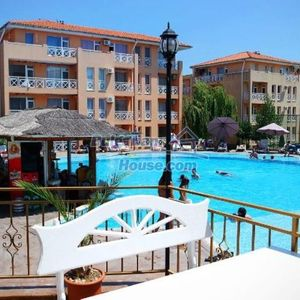 Sunny studio apartment in Sunny Day 6 at good price