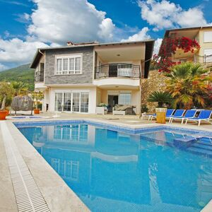 LUXURY FURNİTURED VİLLA WİTH OWN POOL