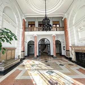 PREMIUM LOCATION! APARTMENT FOR SALE IN A STUNNING BUILDING